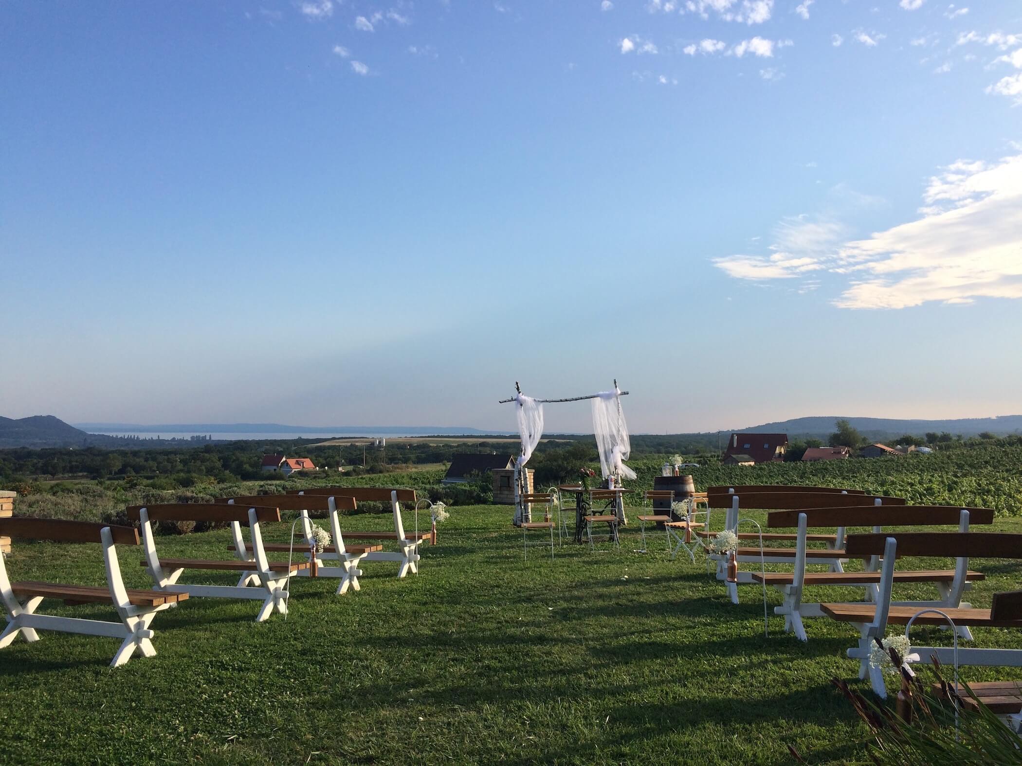 Esküvő a Balaton-felvidéken, esküvői zenélés, Balaton