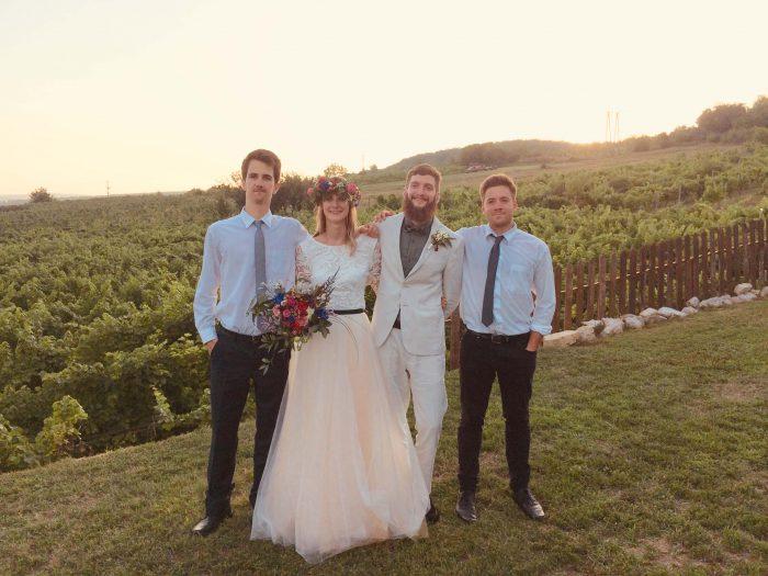 Fotó az esküvői párral